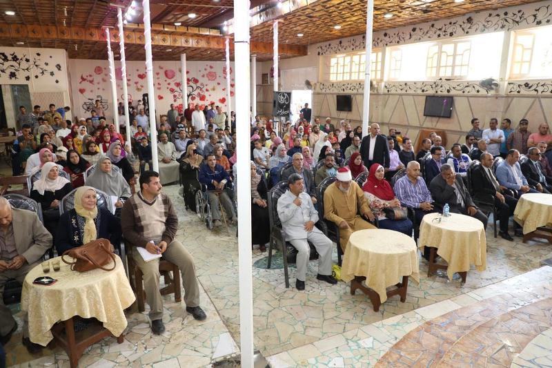 محافـظ المنوفية يكرم أوائل الشهادات وعدداً من أسر الشهداء ويستمع لأهالي قرية زنارة بتلا