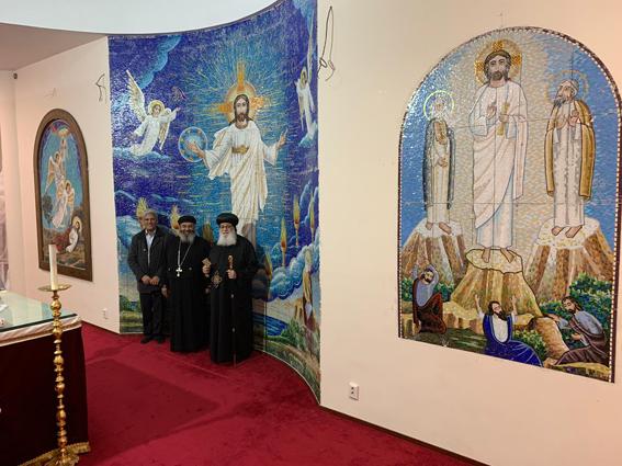 """الأنبا أرساني يفتتح جداريات الموازييك للفنان """"عادل نصيف"""" بهولندا"""