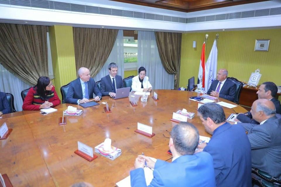 وزير النقل يبحث مع الوكالة الفرنسية للتنمية (AFD) التعاون في تطوير خط أبوقير وإعادة تأهيل ترام الرمل بالإسكندرية