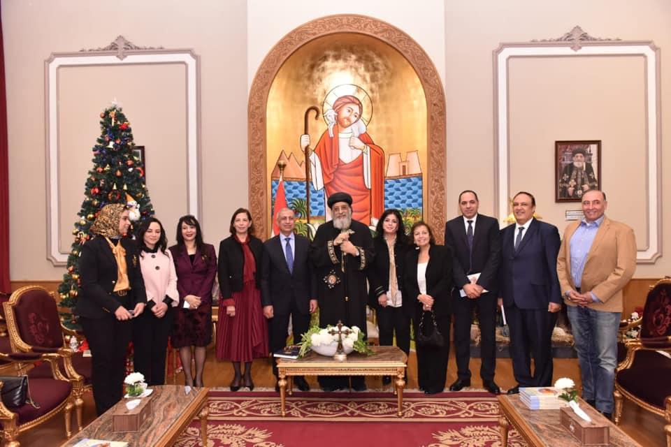 رئيس الأكاديمية العربية للعلوم والتكنولوجيا يُهنئ البابا تواضروس بالعيد