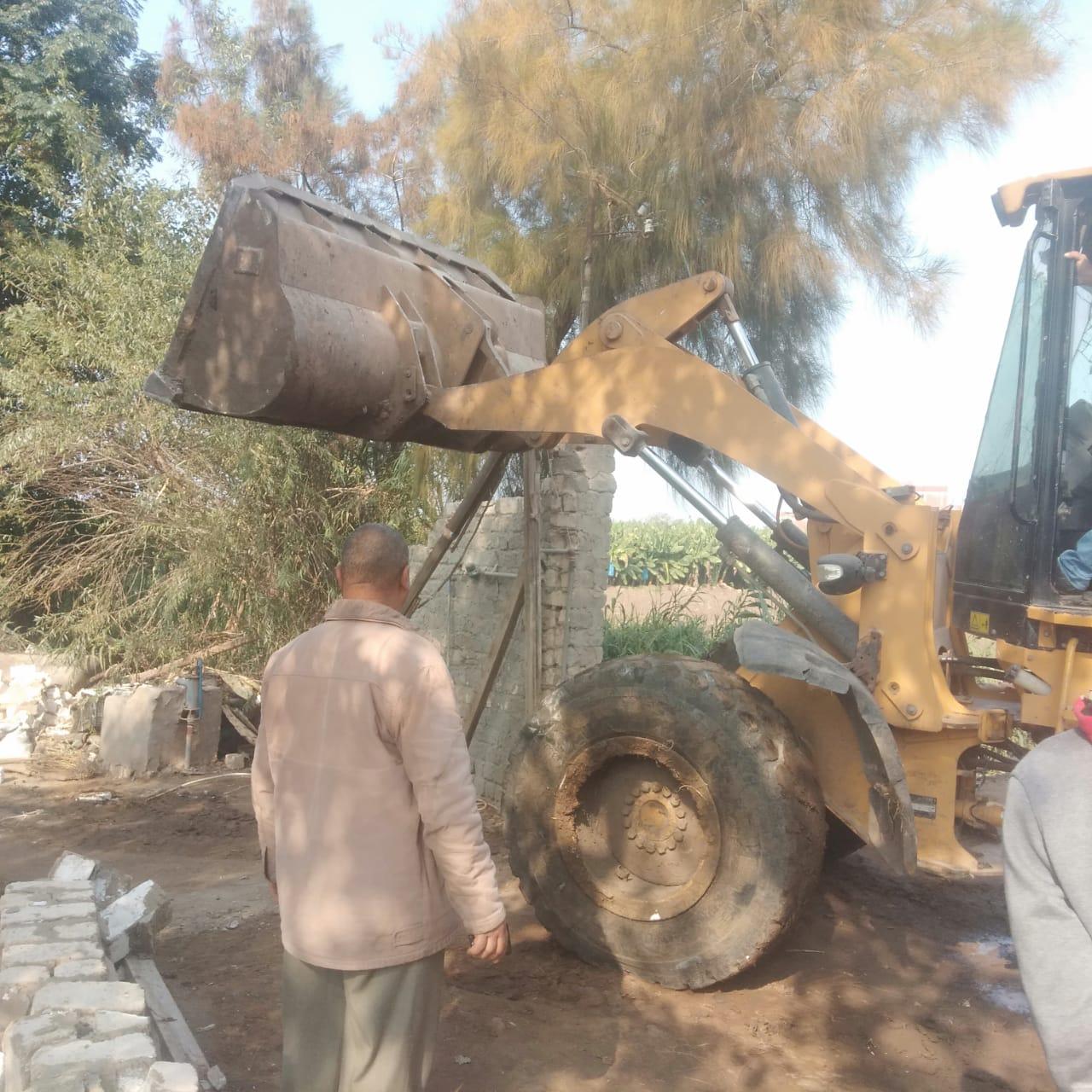 تنفيذ 775 إزالة على نهر النيل
