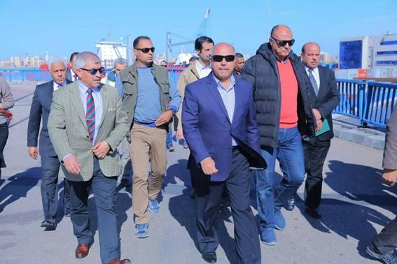 بالصور.. وزير النقل في جولة تفقدية بميناء الإسكندرية لمتابعة معدلات تنفيذ عدد من المشروعات الهامة