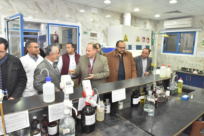 محافظ أسيوط :  بيان عملي لمواجهة التعامل مع تسريب غاز الكلور بمحطات مياة الشرب