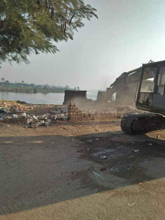 محافظة الجيزة: إزالة 4756 م تعديات على حرم نهر النيل بالعياط