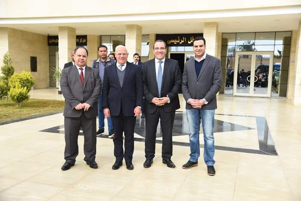 وزير المالية ومحافظ بورسعيد يتفقدا مبني الديوان العام