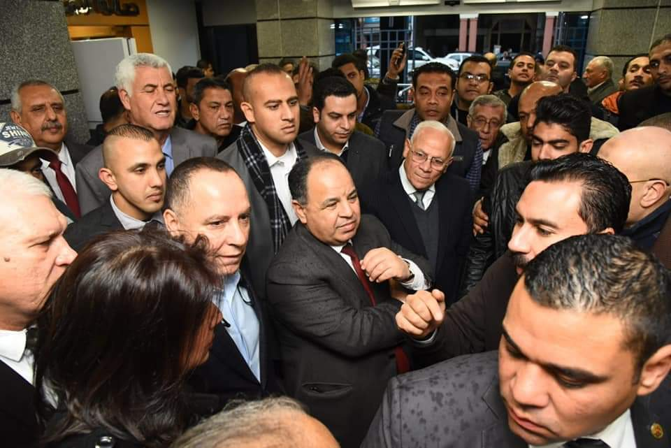 وزير المالية ومحافظ بورسعيد يتفقدان المركز اللوجستي