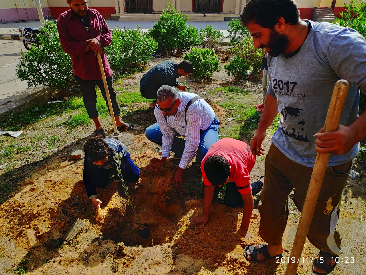 """""""البيئة"""" : استمرار التعاون بين  """" اتحضر للأخضر"""" و """" شجرها """".. و زراعة  2500 شجرة مثمرة  بدمياط"""