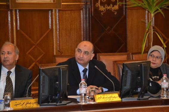 مجلس جامعة الإسكندرية في اجتماع طارئ يؤكد على تطبيق اللوائح وإعلان العقوبات لردع مستخدمي العنف