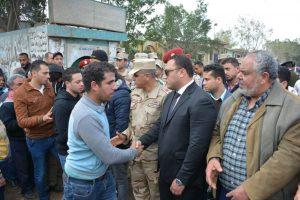نائب محافظ الدقهلية يؤدي واجب العزاء في شهيد الوطن بمدينة طلخا