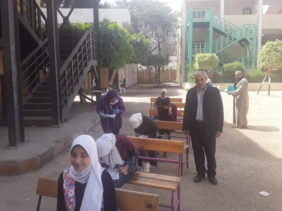 """"""" تعليم الجيزة """" يتابع تسليم شرائح التابلت بالتعاون مع وزارة الإتصالات"""