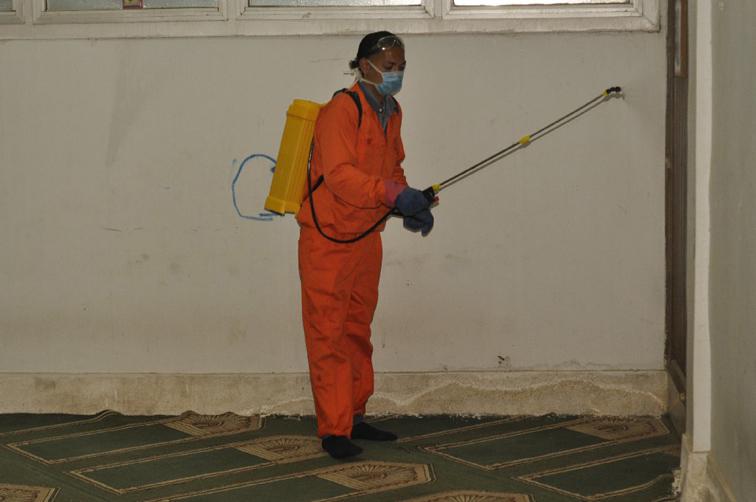 """جامعة المنيا تواصل إجراءات تطهير وتعقيم منشآتها لمجابهة """"كورونا"""""""