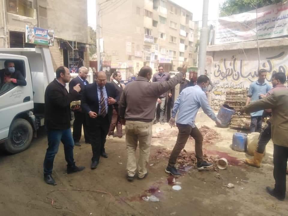 """نائب محافظ الجيزة يقود حملة مكبرة على أكبر سوق أسبوعي """"الإثنين"""" بمدينة الصف"""