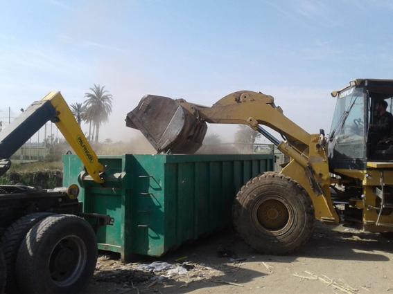 رفع ٢٠٦٠ طن مخلفات وقمامة بمدن وقرى قنا