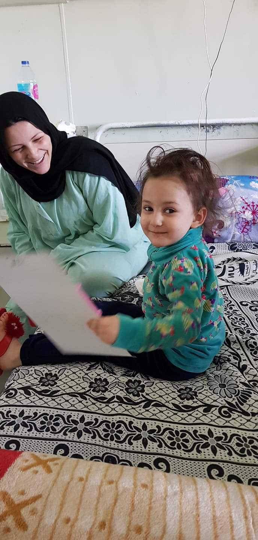 مستشفى أطفال المنصورة توزع الهدايا على  الأطفال المرضى  احتفالًا  بيوم شم النسيم