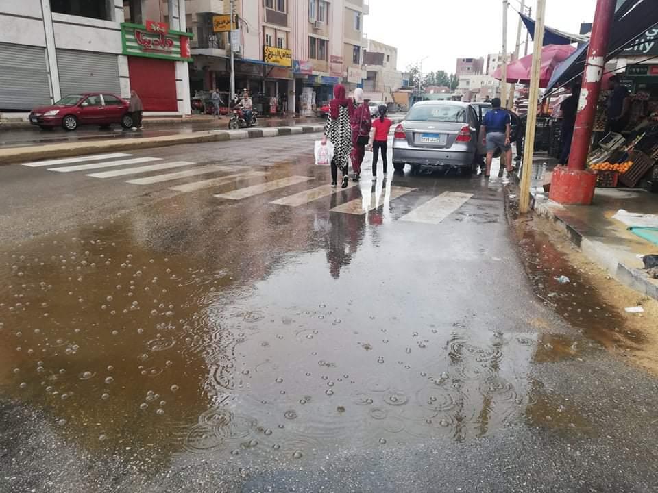 موجة حر ثم أمطار غزيرة بالوادى الجديد يصحبها برق ورعد  ثم تعود الأحوال للإستقرار