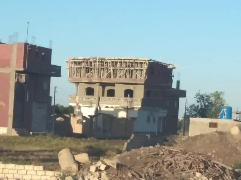 محافظ كفرالشيخ يتابع حملات إزالة التعديات ومخالفات البناء