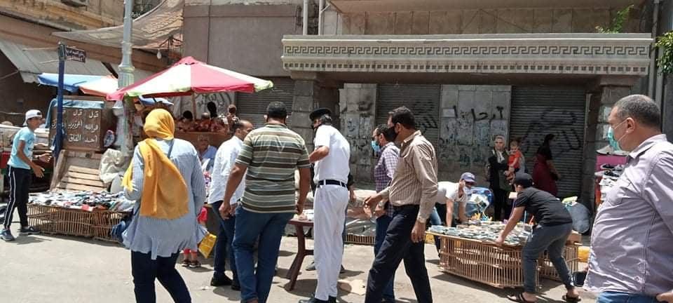حملة مكبرة بحي الجمرك لرفع إشغالات المنشية